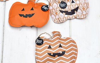 Super Cute Halloween Treat Bags and Decoration