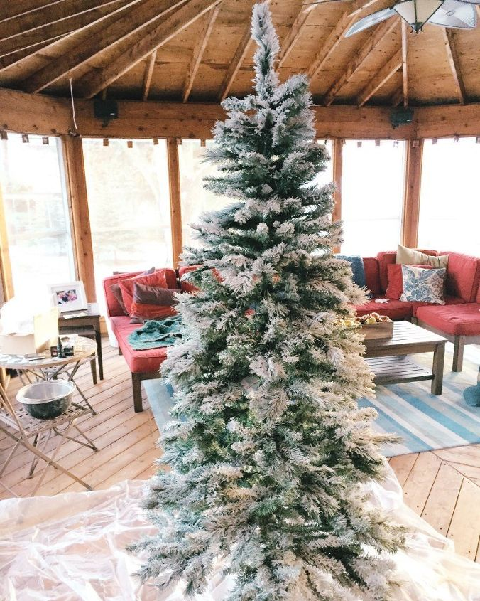 How to Flock Your Own Christmas Tree | Hometalk