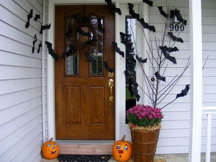 going batty over halloween , craft rooms, crafts, halloween decorations, seasonal holiday decor