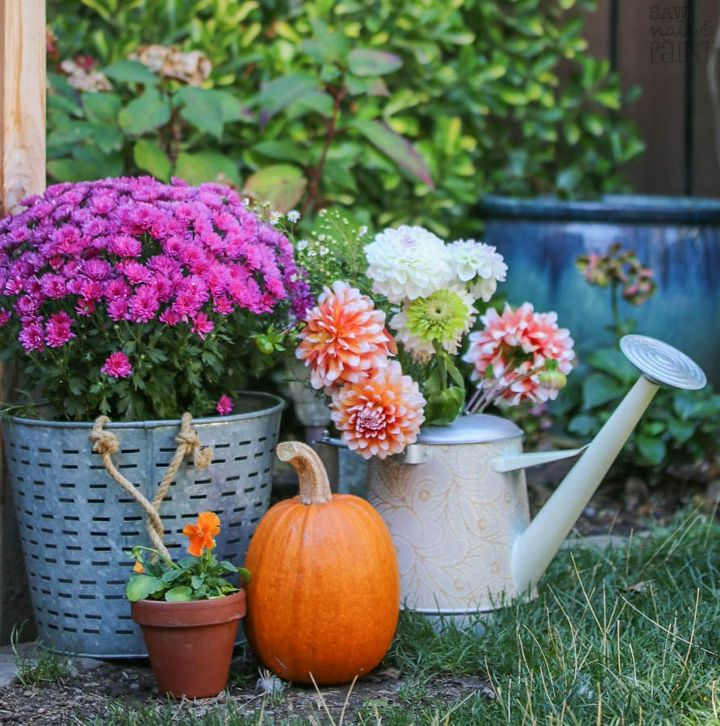 fall patio and urban farm tour, outdoor living, painted furniture