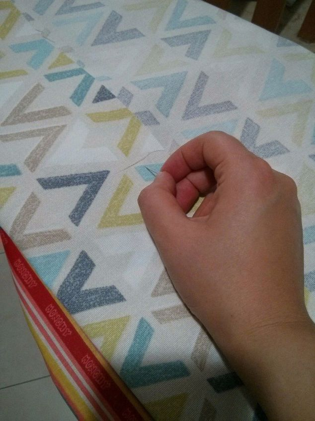 I love the pattern of this fabric!