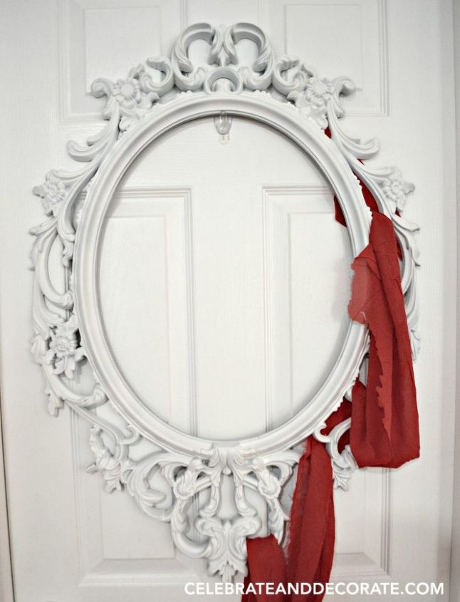 Use a Picture Frame to Create This Elegant Halloween Wreath | Hometalk