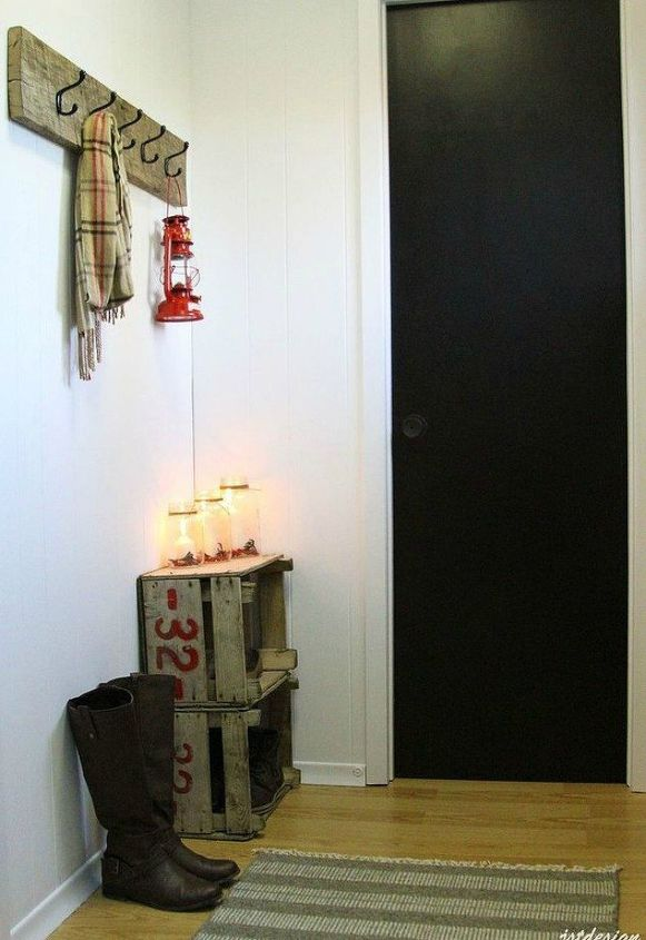 s if your hallway is dark here is what you re missing, foyer, Add a few trinkets to spruce it up