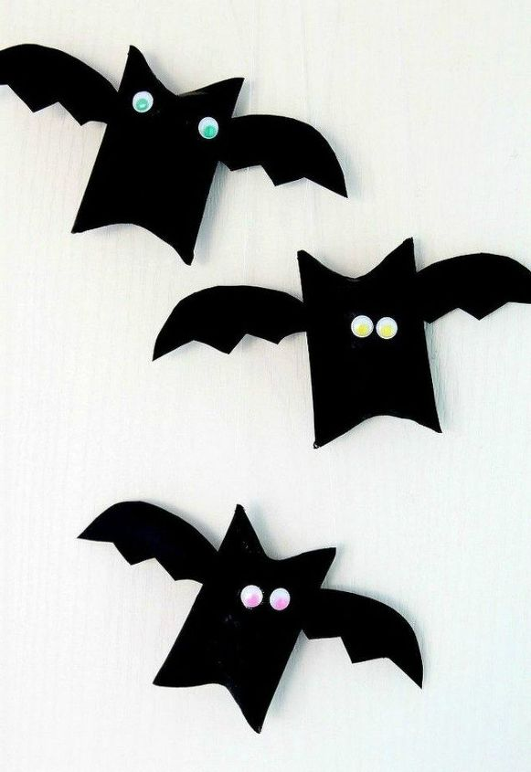 s grab toilet paper for these halloween ideas, bathroom ideas, halloween decorations, seasonal holiday decor, Turn tubes into flying bats