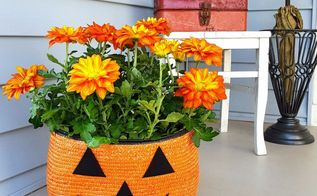 straw tote bag halloween jack o lantern planter, gardening, halloween decorations, outdoor living, repurposing upcycling, seasonal holiday decor