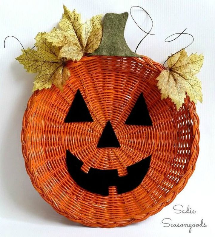 s tired of wreaths try these ideas instead , crafts, wreaths, Spray paint a wicker plate into a pumpkin