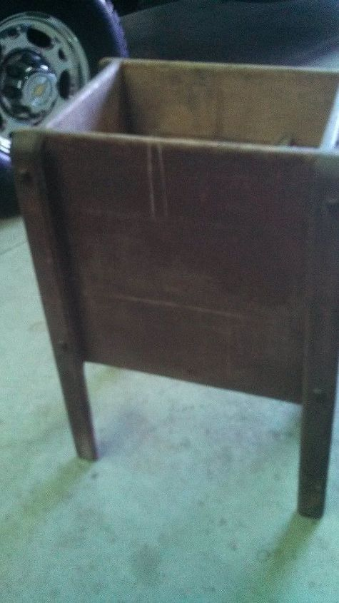 q can anyone identify this vintage wooden crank box , home decor, home decor id