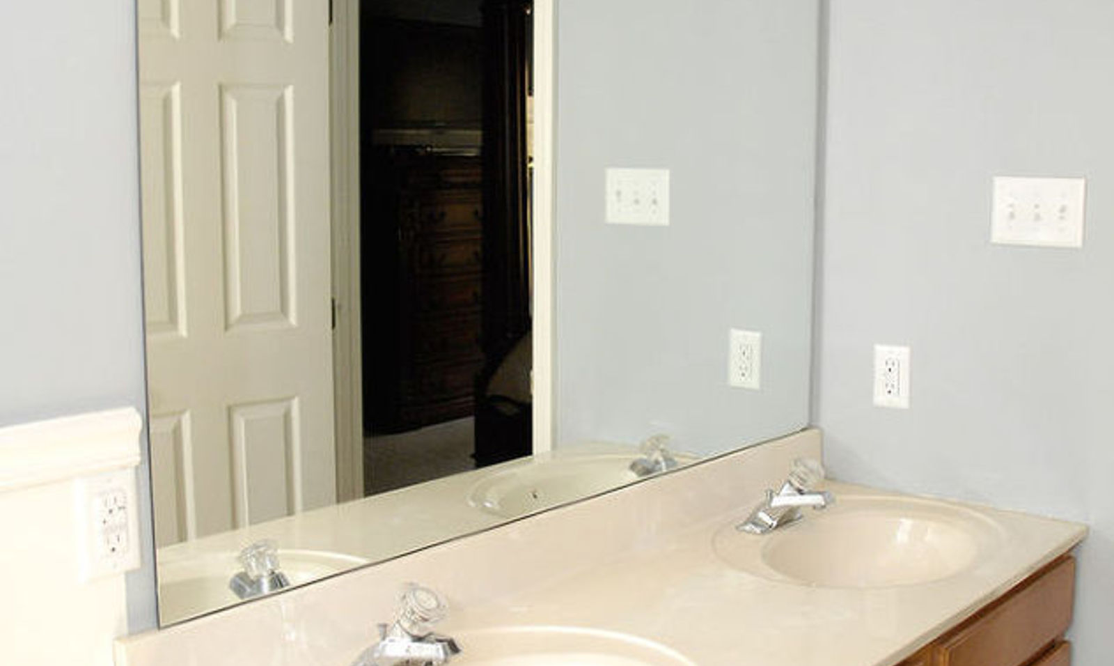 10 Stunning Ways to Transform Your Bathroom Mirror Without Removing ...