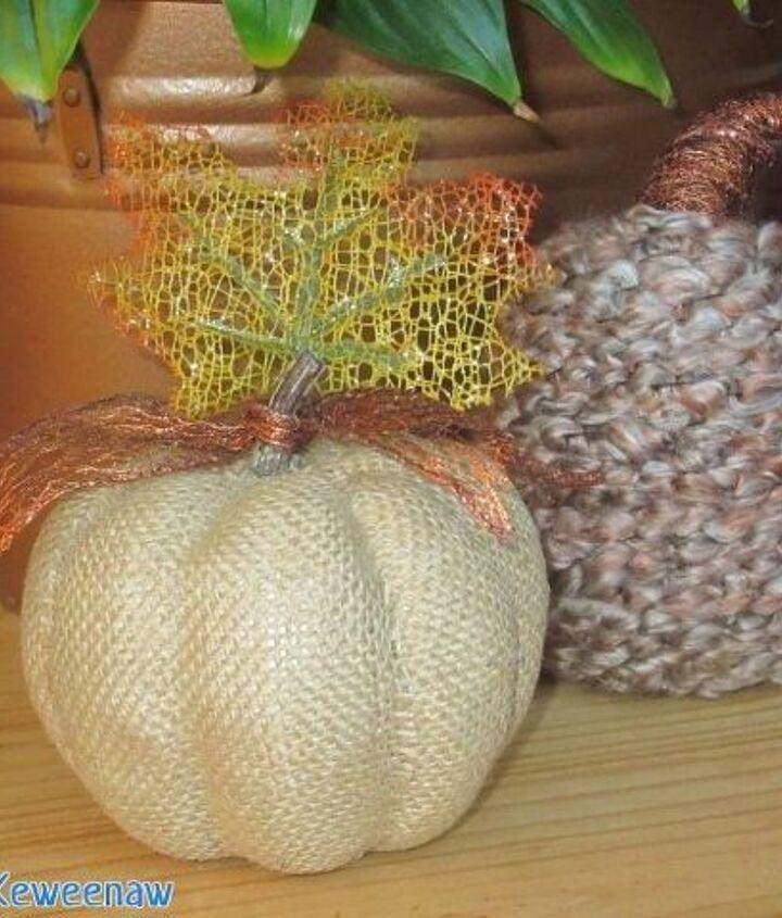yarn wrapped pumpkin, crafts, gardening, pallet, repurposing upcycling, wreaths