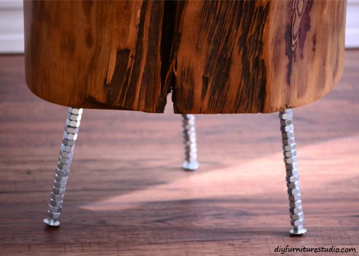 How to Make a Tree Stump Side Table With DIY Legs | Hometalk
