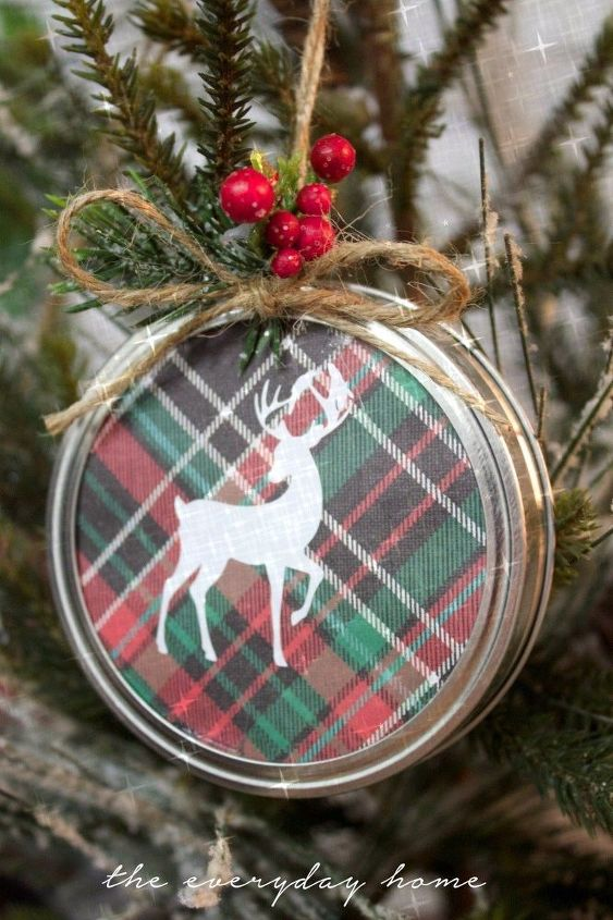 diy mason jar lid christmas ornaments, christmas decorations, crafts, mason jars, seasonal holiday decor