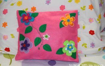 diy felt accent pillows, bedroom ideas, crafts, gardening, home decor, repurposing upcycling