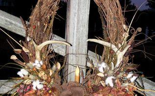burlap on a fencepost , crafts, flowers, homesteading, outdoor living, seasonal holiday decor