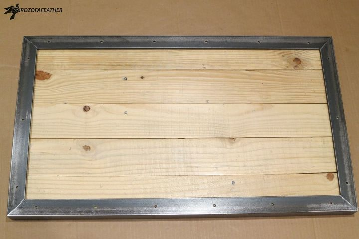 Skid top with finished metal edges