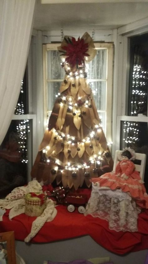 old fruit basket to rustic christmas tree , crafts