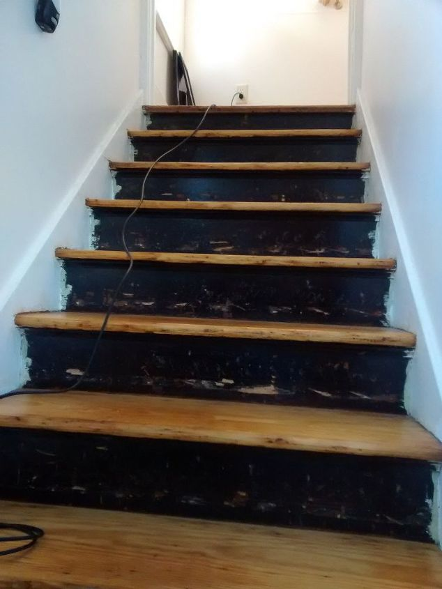 Stair Risers Wallpaper Border Stairs Wall Decor Before Gouged Paint Blotchey Surfaces