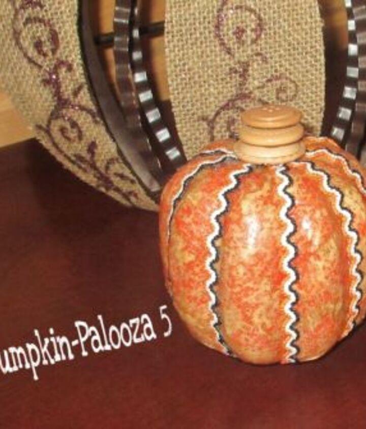 coffee filter pumpkin, crafts, decoupage, painted furniture, seasonal holiday decor