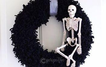 Easy Halloween Yarn Wreath