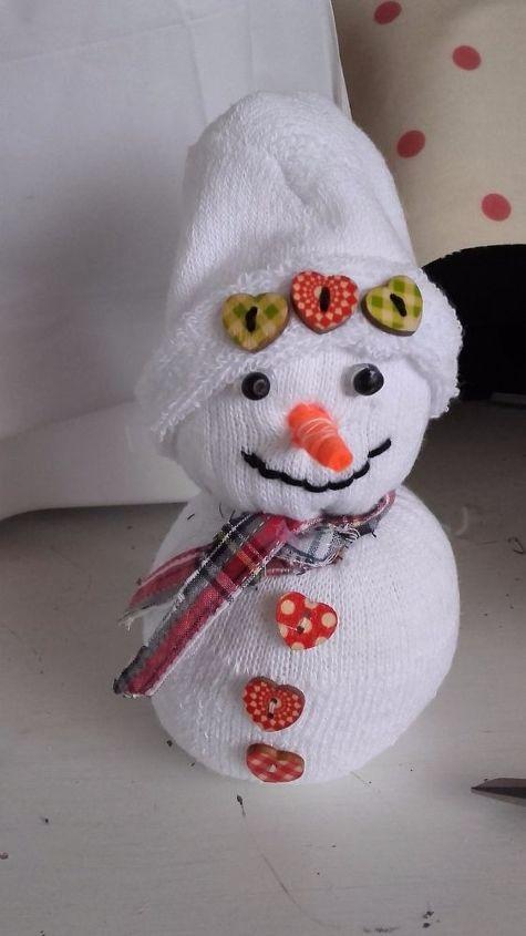 happy snowmen , crafts, repurposing upcycling, seasonal holiday decor