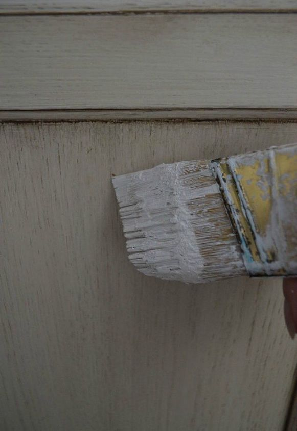 s here s why you should be buying extra rolls of plastic wrap, It can save you cleaning your paint brush