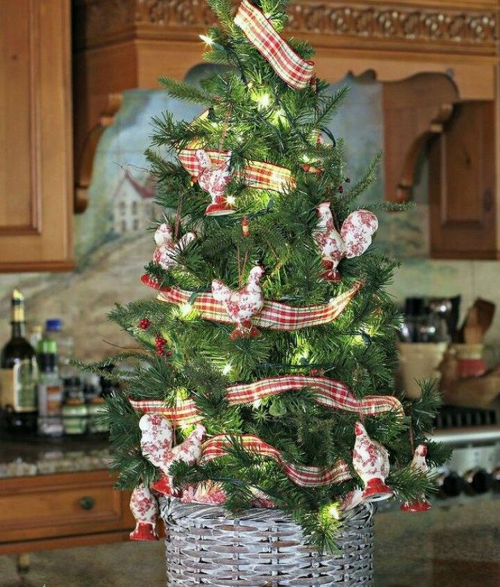 s grab an old basket for these clever ideas, crafts, Use it as a Christmas tree basket