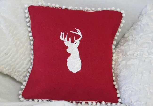 how to make a stencilled burlap pillow christmas decor idea christmas decorations crafts