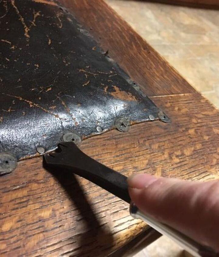 Lifting out the small tacks