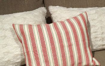 DIY Holiday Pillows From Dish Towels