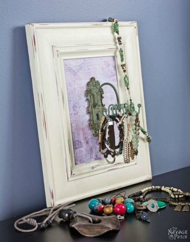 s 21 jewelry organizing ideas that are better than a jewelry box, organizing, This frame with a vintage hook