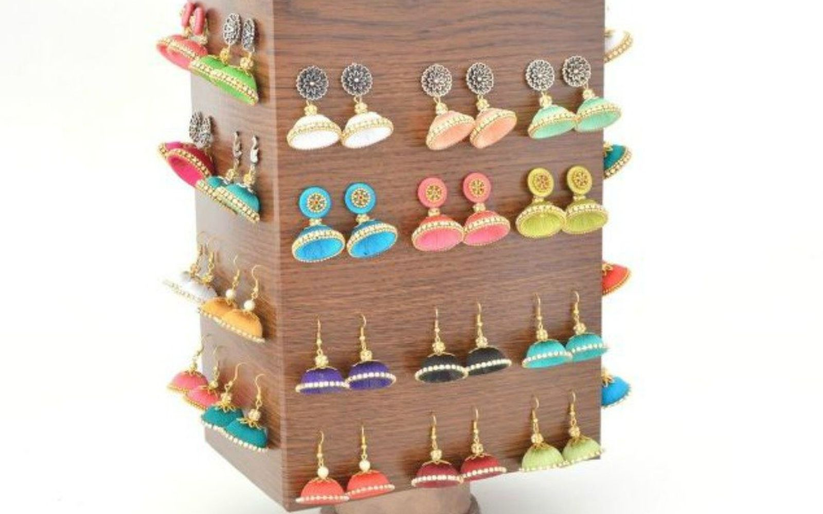 s 21 jewelry organizing ideas that are better than a jewelry box, organizing, This rotating display from a cereal box