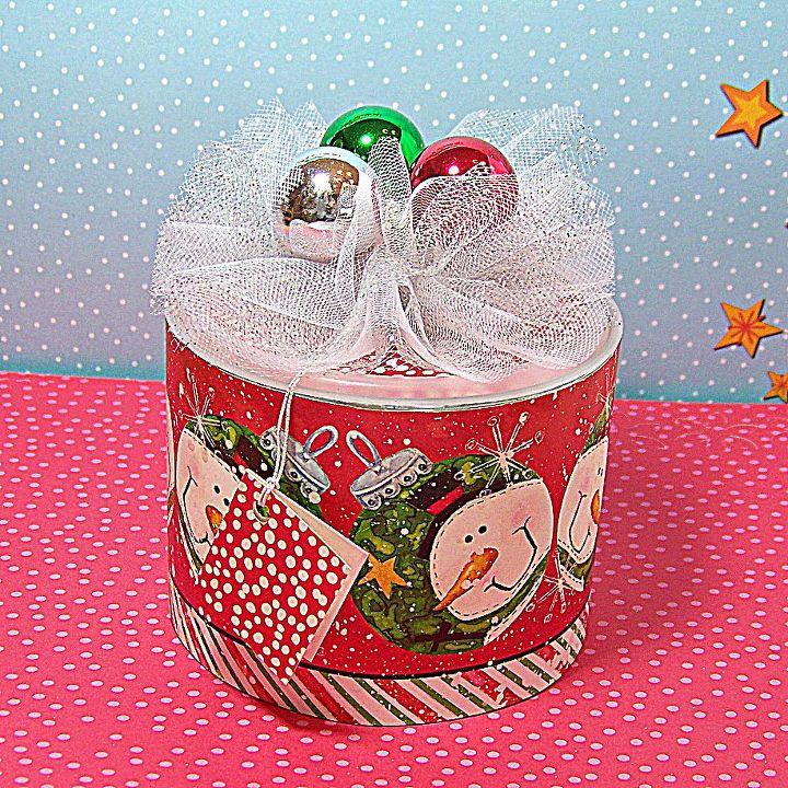 deck the oatmeal box for a christmas gift, decks