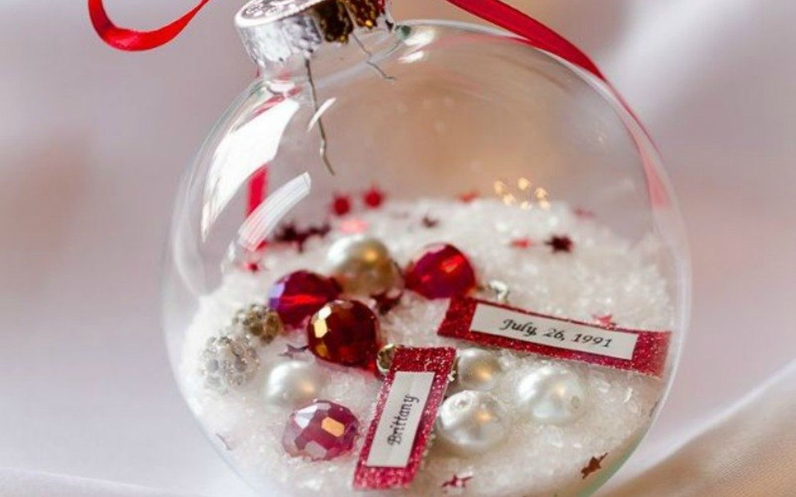s 18 diy christmas gift ideas you ll want to keep for your home, home decor, This keepsake birthday ornament