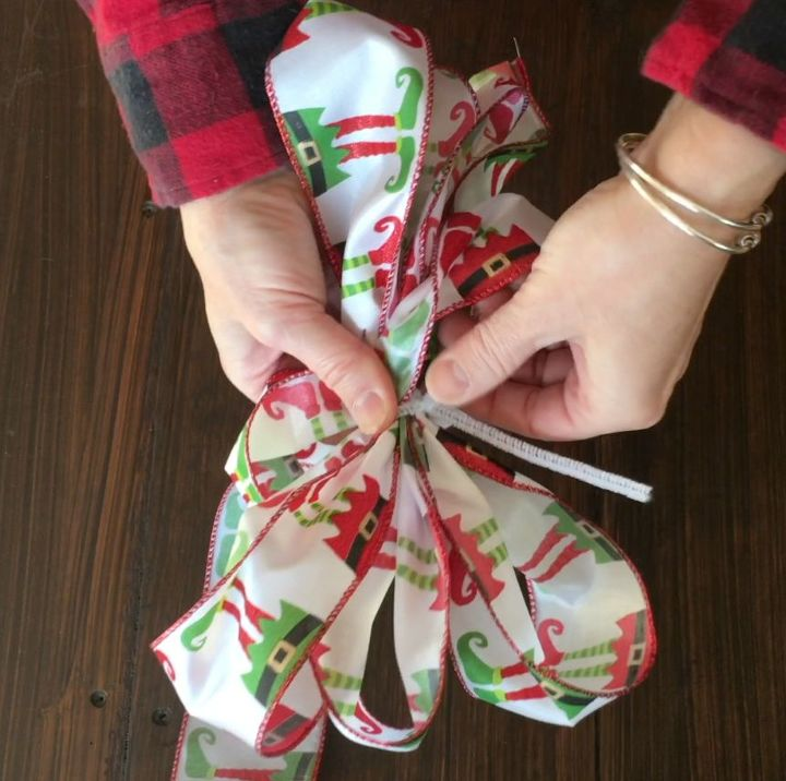 how to tie a christmas bow with wire ribbon, crafts, how to
