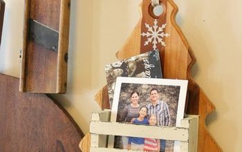 Repurposed Cutting Board Christmas Decor