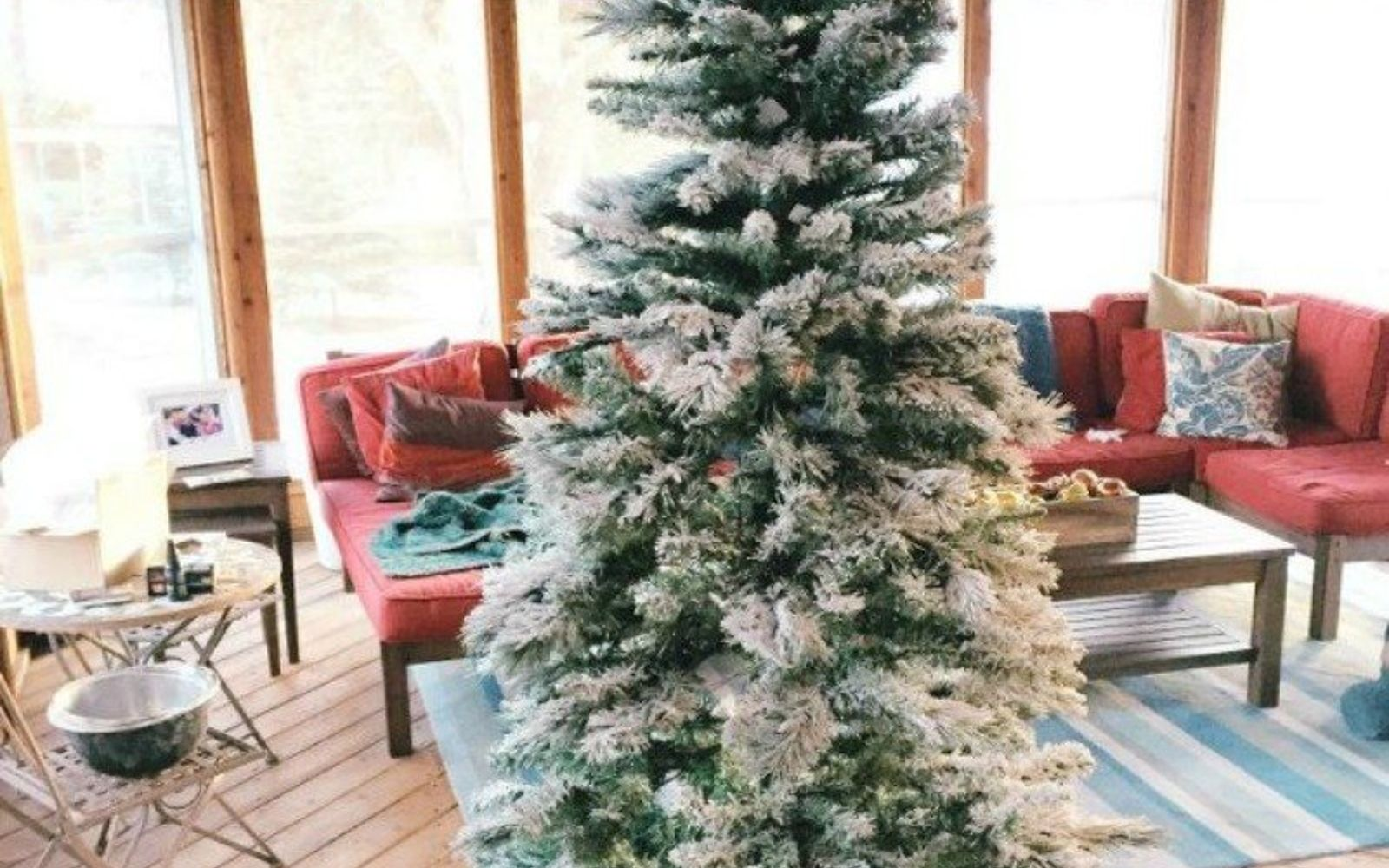 Tons Of Christmas Decorating: Don't Stop At Ornaments! These Tree Decorating Ideas Are
