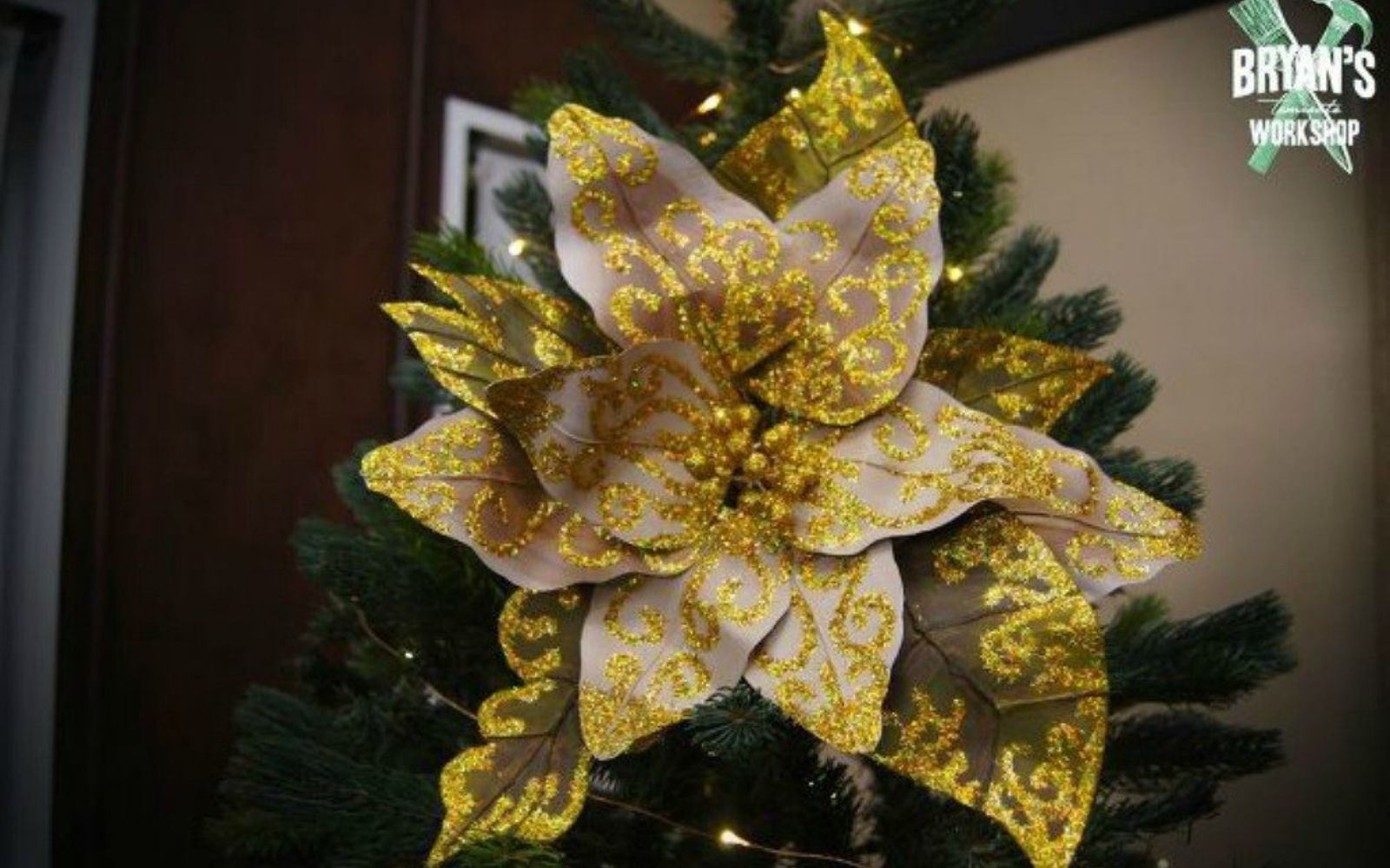 s don t stop at ornaments these tree decorating ideas are even better, christmas decorations, seasonal holiday decor, Use wire and paper to make a Christmas flower