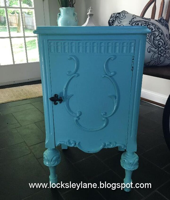 mackenzie child s like end table, painted furniture