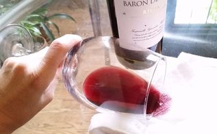 remove wine stains in a breeze with 4 common household ingredients, Call 911 pronto We have a vino emergency