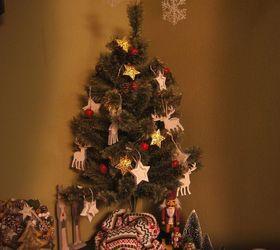 Awesome Small Christmas Tree Skirt Idea