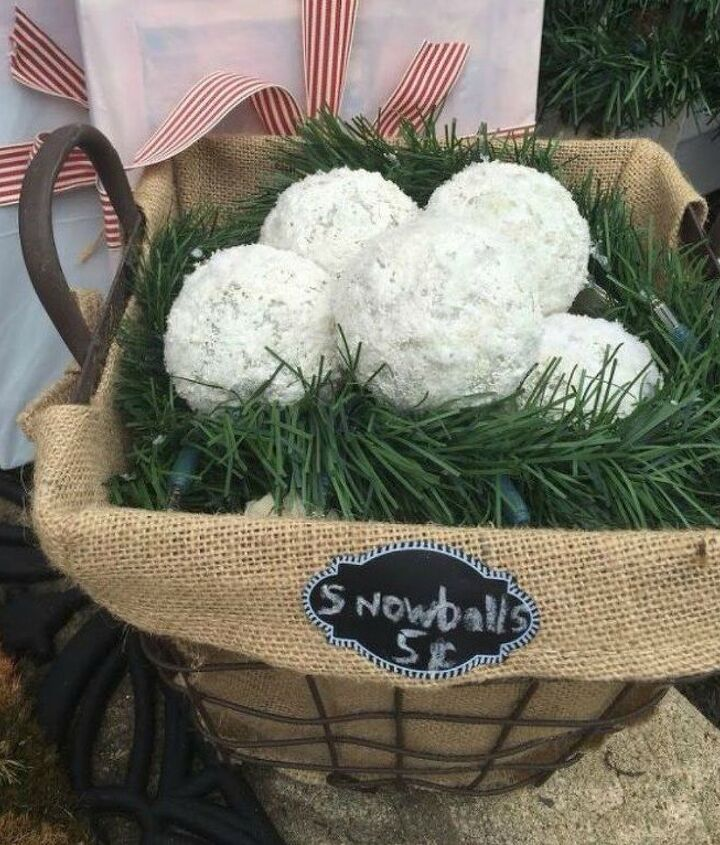 s let it snow with these 12 winter decorating ideas, Use styrofoam balls as snowballs
