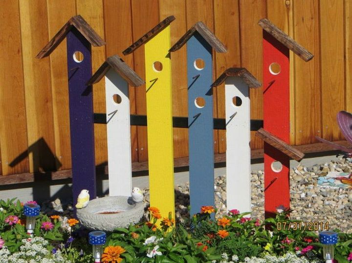 s you never thought of using an old fence like this 12 ideas , fences, As a bright birdhouse trellis