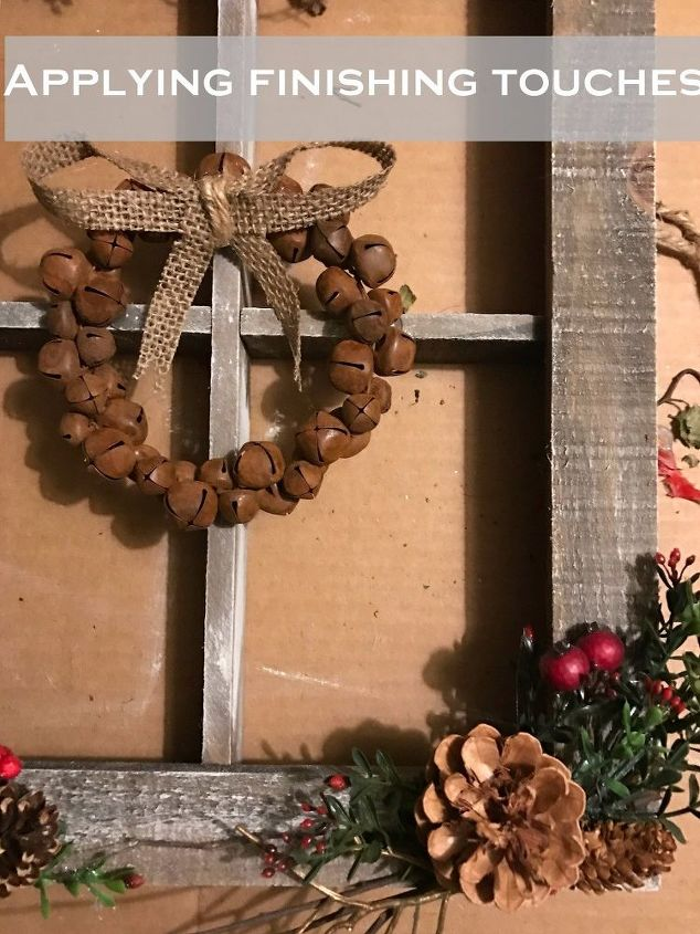 turn this boring wood frame into stunning christmas decor heres how , christmas decorations, home decor