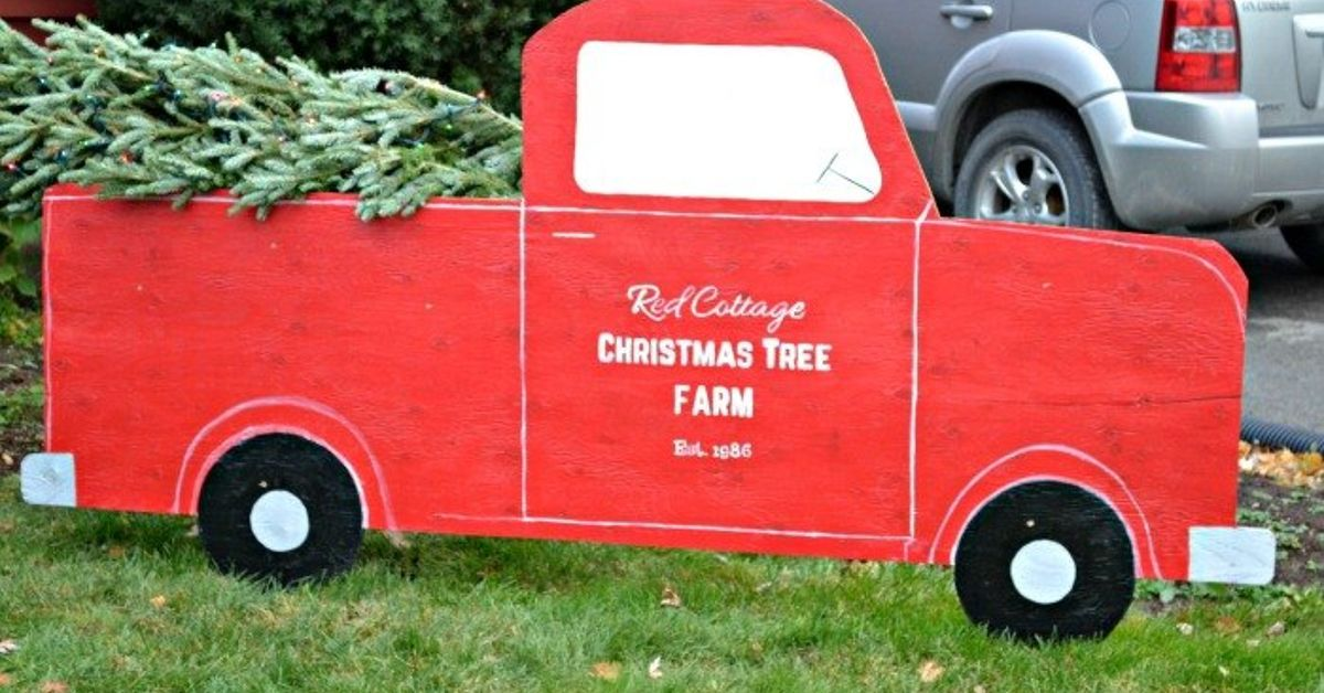 red truck christmas tree outdoor christmas decor hometalk - Christmas Truck Decor