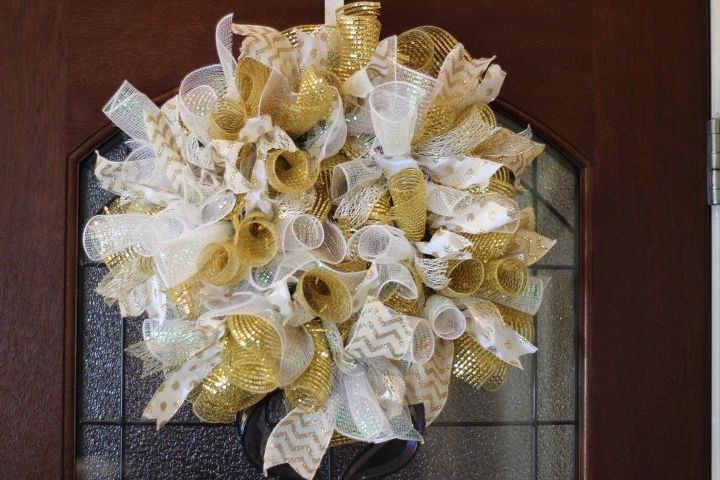 gold and white deco mesh wreath tutorial, crafts, how to, wreaths