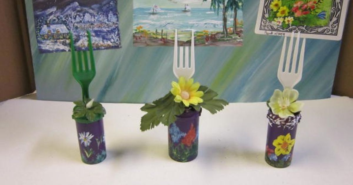 Re Purposed Empty Pill Bottles Craft Table Decoration Hometalk