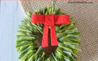 felt wreath ornament, christmas decorations, crafts, seasonal holiday decor, wreaths