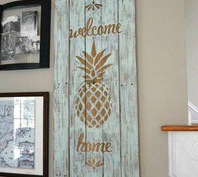 Make Your Front Door Pop With Pineapple