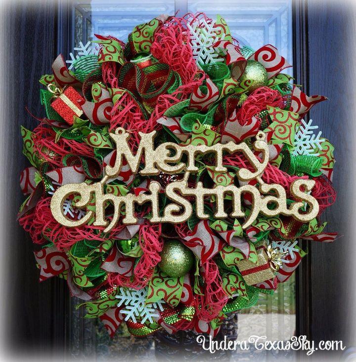 deco mesh christmas wreath using window pane mesh crafts wreaths