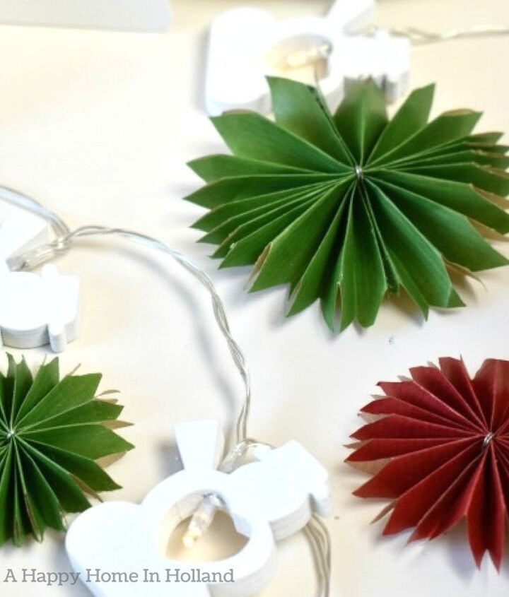 diy paper rosettes from gift wrapping paper
