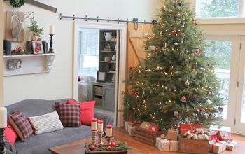 Farmhouse Christmas Home Tour